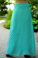 Эффектная длинная женская юбка в горошек расклешенная к низу штапель батал
