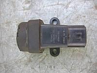 Датчик удара 7700306391 (050818B6) б/у 2.5dci на Renault Master, Opel Movano, Nissan Interstar год 1998-2010