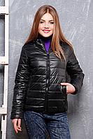 Куртка женская Смарт 2 черная полуприталенная короткая с горизонтальной прострочкой и капюшоном