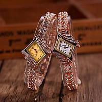Наручные часы, цвет золотой, разная форма