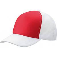 Белая кепка тракер с красной вставкой