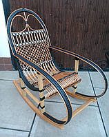 Кресло качалка плетённое из лозы с черными подлокотниками