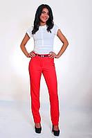 Строгие брюки красного цвета