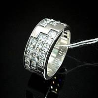 Шикарное женское серебряное кольцо со вставками из фианита