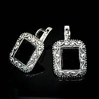 Оригинальные серебряные серьги с искусственным ониксом