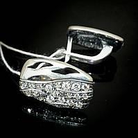Оригинальные серебряные серьги со вставками из фианита