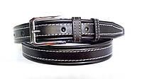 Кожаный ремень 35 мм чёрный прошитый белой ниткой пряжка хромированная два кожаных тренчика