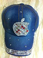 Джинсовая кепка со стразами и камнями (яблоко айфон)