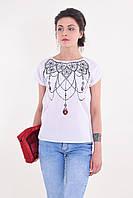 Оригинальная молодежная блуза в белом цвете с этническим орнаментом на груди