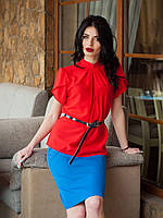 Легкая алая блуза