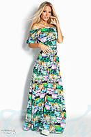 Летнее длинное женское платье спадающее с плеч с ярким абстрактным принтом штапель