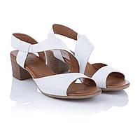 Босоножки женские на низком каблуке Amati (белого цвета, удобные, стильные, классический дизайн)