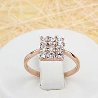 002-1535 - Красивое кольцо с квадратом из прозрачных фианитов розовая позолота,  18 р.