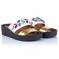 Шлепанцы с камнями Summergirl (стильное сочетание белого и золотистого цветов, стильта танкетка, модные и удоб