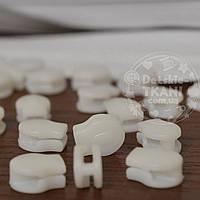 Бегунок пластиковый белый (безопасный) для рулонной молнии Т3