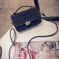 Женская  сумка  черного цвета на застежке с длинной  и короткой ручками