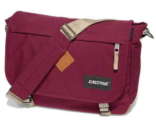 Привлекательная городская сумка 20 л. Delegate Eastpak EK07658E красный