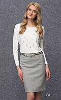 Женская блуза из вискозы молочного цвета с абстрактным принтом, рукав три четверти. Модель Goga Zaps.
