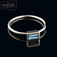 011-0017 - Изящное кольцо с кристаллом Swarovski Baguettes Crystal Dark Indigo родий, 17 р.