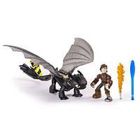 Всадник Иккинг и дракон Беззубик в новом снаряжении. Оригинал Spin Master