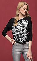 Женская блуза из вискозы черного цвета с абстрактным принтом, рукав три четверти. Модель Luisa Zaps.