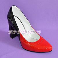 Женские лаковые туфли-лодочки на высоком каблуке, красно/черные