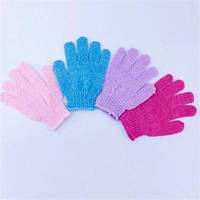 Массажная рукавичка отшелушивающая - малиновая