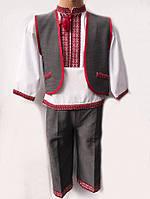 Красивый костюм для мальчика в украинском стиле