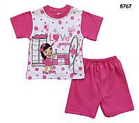 Летний костюм для девочки: футболка и шорты. На футболке рисунок с блёстками.