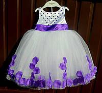 Детское праздничное платье с лепестками роз