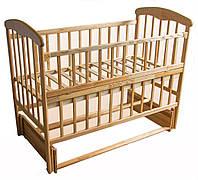Детская кроватка с маятниковым механизмом из дерева Наталка