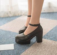 Туфли черные (высота каблука 9-9,5 см)с перепонкой.