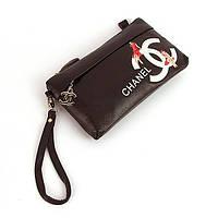 Коричневый клатч-кошелек Chanel женский кожаный