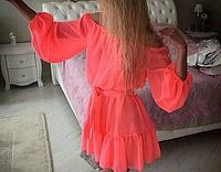Женское короткое шифоновое платье со спущенными рукавами