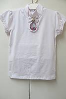 Белая трикотажная блузка с коротким рукавом