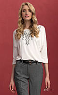 Женская блуза из вискозы с рукавом три четверти молочного цвета. Модель Sarina Zaps.