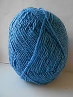Пряжа полушерстяная .Цвет голубой