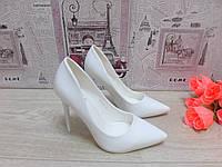 Туфли лодочки лаковые Белые