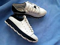 Женские кожаные белые кроссовки. Украина