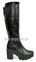 Кожаные женские зимние сапоги на устойчивом широком каблуке