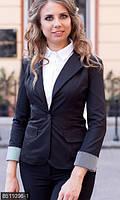 Деловой женский пиджак приталенного кроя с отложным воротником и подкоченными рукавами мемори коттон батал