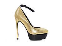 Золотые женские туфли на высоком каблуке и платформе