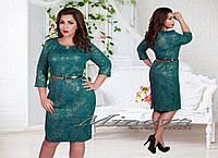 Красивое женское платье зеленое с золотой нитью
