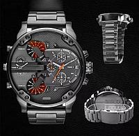 Мужские часы Diesel на металлическом ремешке