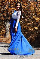 Длинное вечернее платье с гипюровым верхом и открытой спиной.