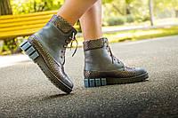 Ботинки женские синего цвета  цвета на шнуровке