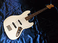 Бас-гитара Fender Standard jazz bass white Mexico