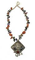 Ожерелье из агата с кулоном Ромб
