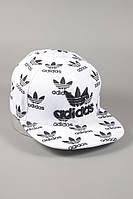 Стильная кепка Adidas Originals. Кепка с прямым козырьком. Кепка Snapback. Модная кепка.