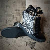 Стильные сникерсы польского бренда Vices цвет серый леопард